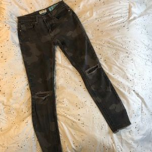 Camo ripped skinny jeans